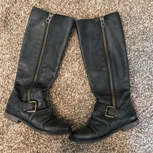 Steve Madden- Army Boot (Size 5.5)
